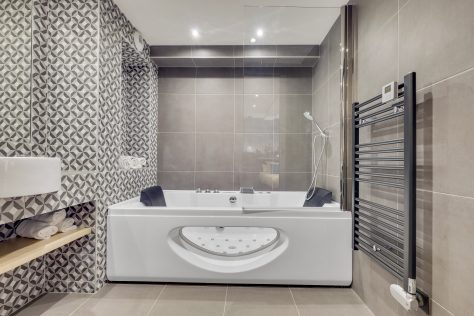 Hotel Lucien & Marinette - sdb jacuzzi