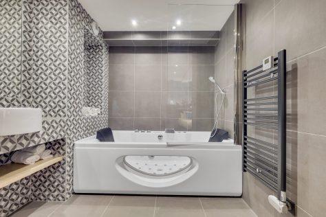 Hotel Lucien & Marinette - sdb jacuzzi