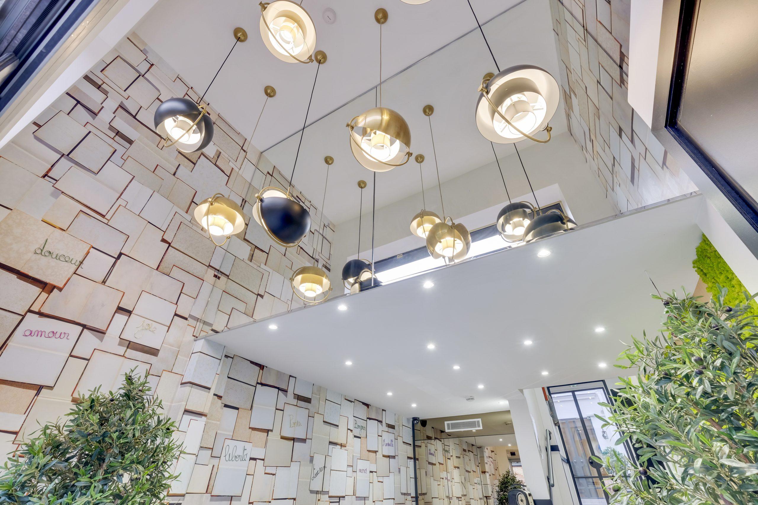 Hotel Lucien & Marinette lobby luminaires